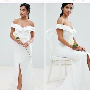 Jarlo white fishtail wedding gown size 0